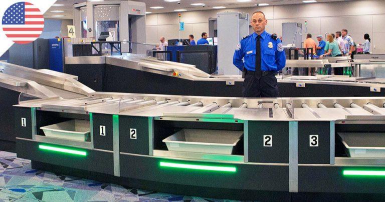 Agent de sécurité dans un aéroport américain