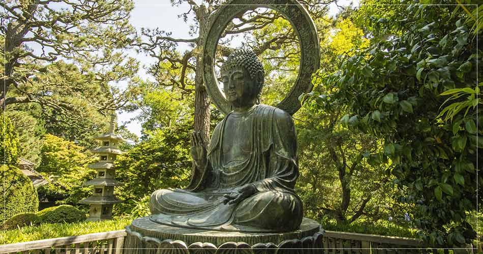 Statue de Buddha au Golden Gate Park de San Francisco (USA) - French Radar