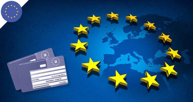Carte Européenne Assurance Maladie avec en fond l'Europe