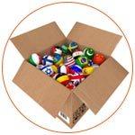 Carton avec des balles représentant les drapeaux de pays