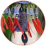 Des cloches chinoises Feng Shui dans le vent