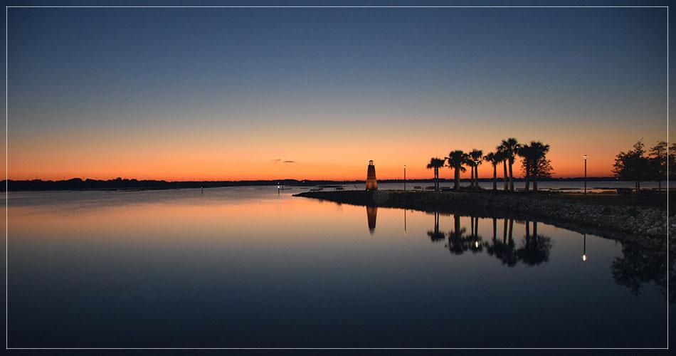 Magnifique coucher de soleil sur la plage à Fort Lauderdale en Floride