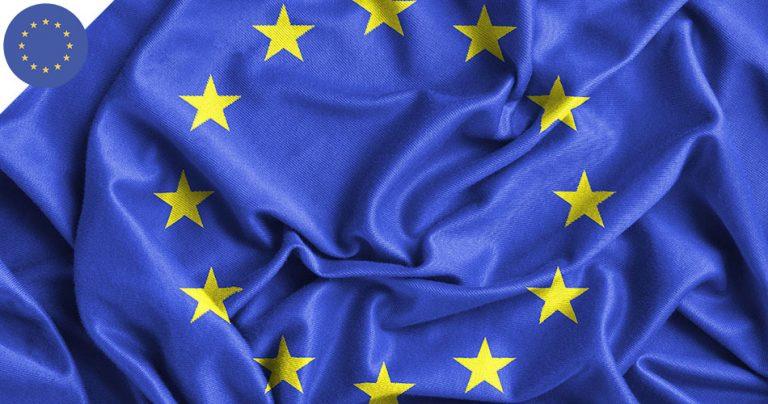 Zoom sur un drapeau de l'Union Européenne