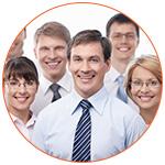 Groupe d'employés souriants