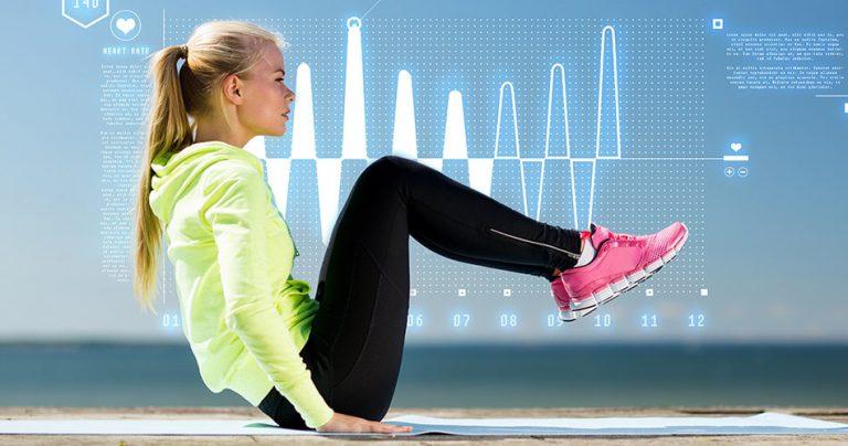 Jeune femme pratiquant une activité sportive
