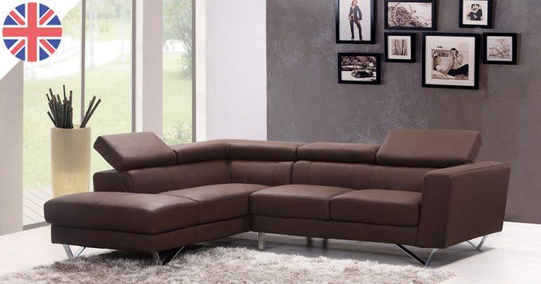 Living room moderne d'un appartement au Royaume-Uni