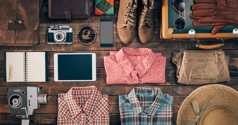 Sélection d'affaires à mettre dans une valise