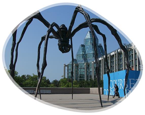 Statue araignée à Ottawa au Canada