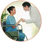 Un docteur et sa patiente au walk-in centre