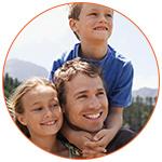 Un père et ses enfants expatriés au canada
