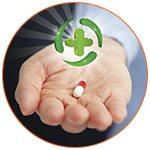 La main d'un pharmacien présentant un médicament