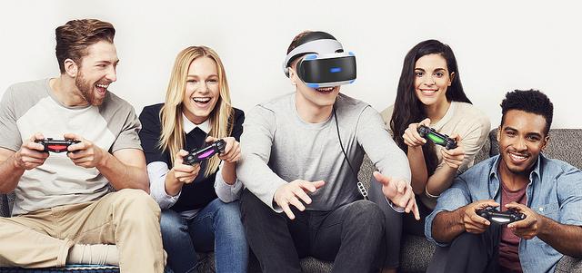 Joueurs à la PlayStation VR