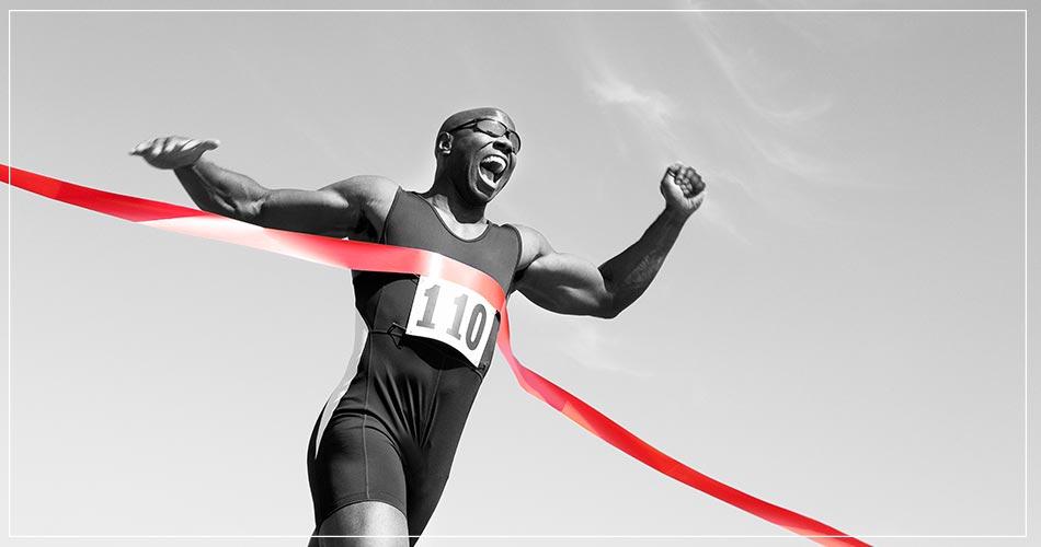 Athlète heureux lors de son succès sportif