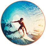 Surfeur dans une vague en Australie