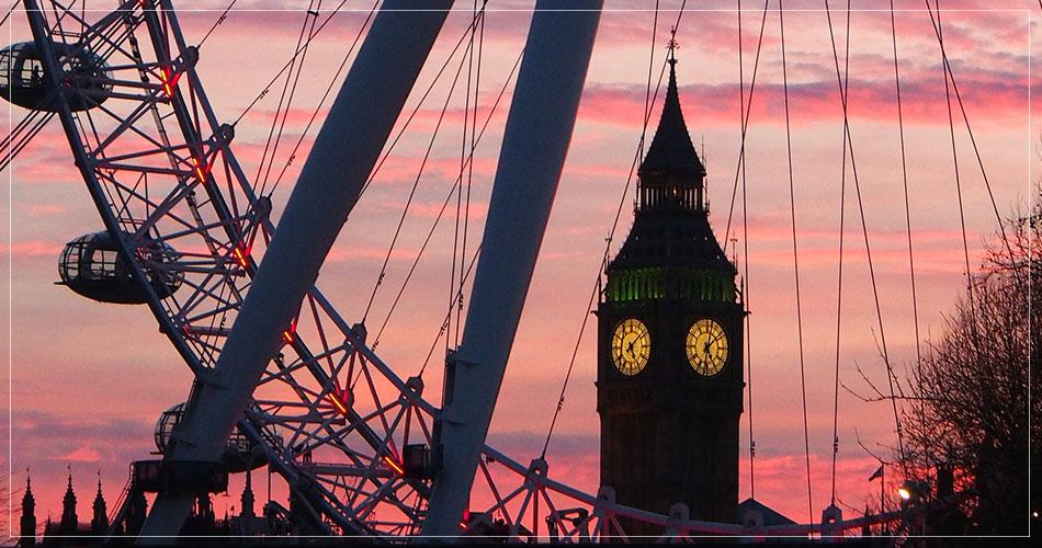 Magnifique coucher de soleil avec Big Ben et London Eye