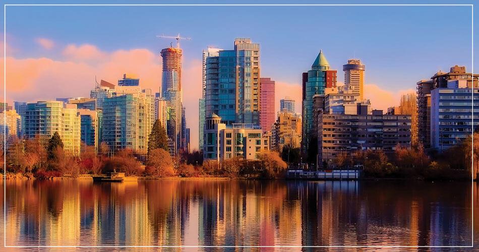 Coucher de soleil sur la ville de Vancouver (Canada)