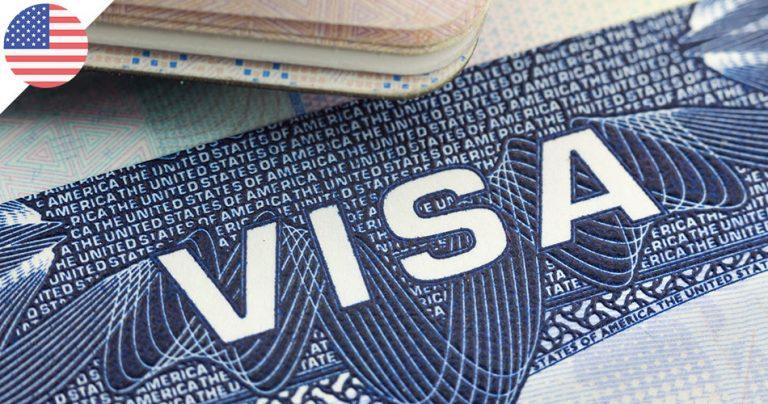 Gros plan sur un visa américain