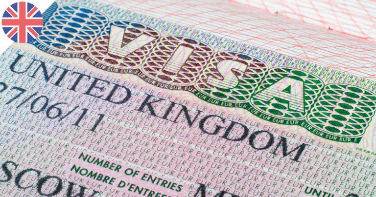 Gros plan sur un visa du Royaume-Uni