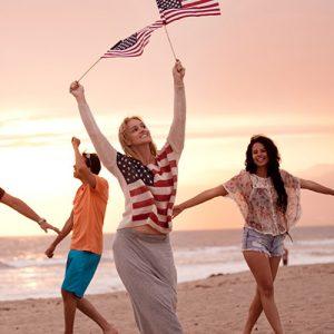 Communauté des expats français aux USA avec drapeau américain